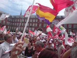 27 -6-10. Plaza Mayor de Madrid. Convocó Izquierda Unida